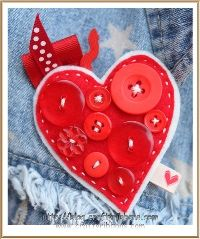 heart brooch made from buttons and ribbon